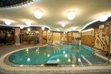 Спа аквапарк, бассейн в комплексе бань