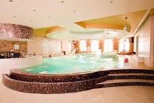 Отель-замок Кайзерхоф, бассейн
