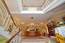 Парк отель Тверь, рецепция в холле