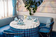 Гостиница Волга, столик в ресторане