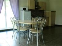 коттедж маккинли, кухня и столовая