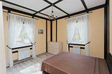 Драгунский ручей, спальня в коттедже