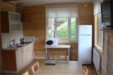 Коттедж 8+2, кухня и столовая