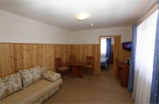 Отельный корпус, гостиная в люксе