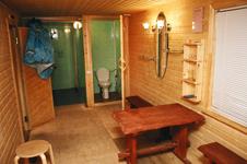 Русская дровяная баня, предбанничек
